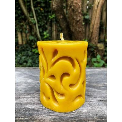 Świeca z mazurskiego wosku pszczelego - model 2